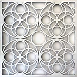 Cuadro Mandala en madera y color blanco, diseño círculos inspirado en la flor de la vida, mide 75x75cm y es perfecto para encima del sofa o el cabrecero