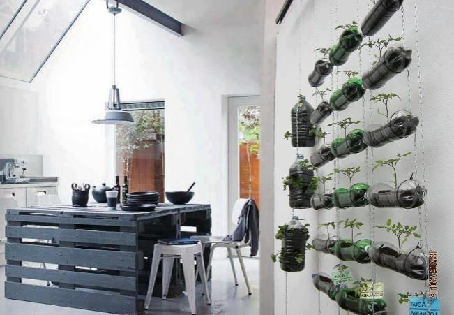 Ideas decorativas reciclando - Material para jardin vertical ...