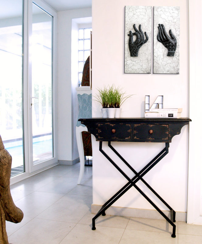 muebles consolas en negro